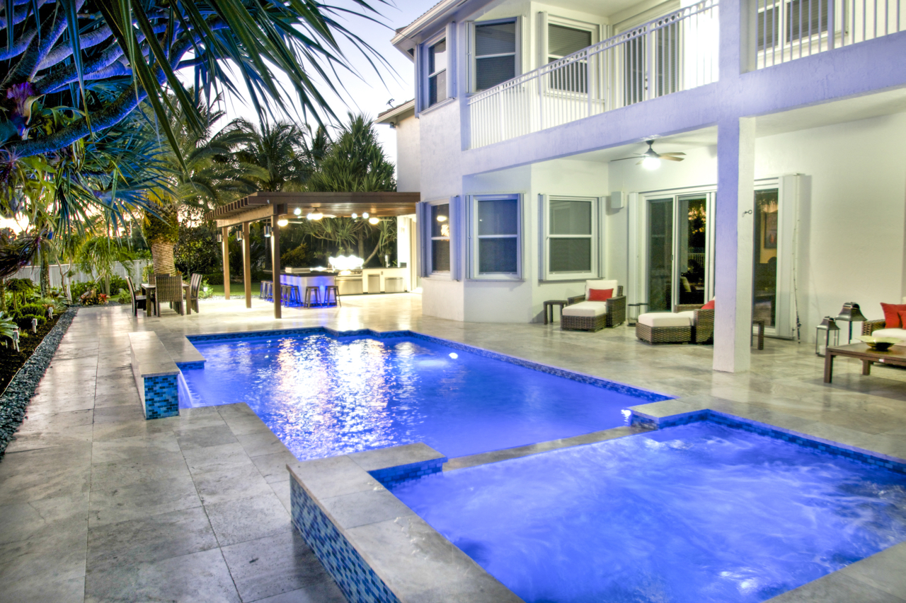 Choosing the perfect swimming pool layout for your patio for Least expensive inground pool