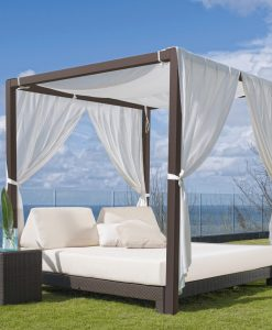 Anibal daybed with roof canopy